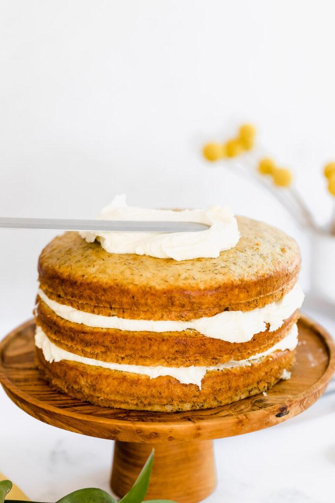 frosting banana cake