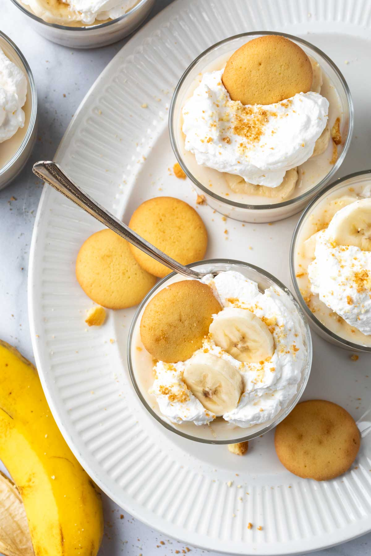 finished individual banana pudding in cups