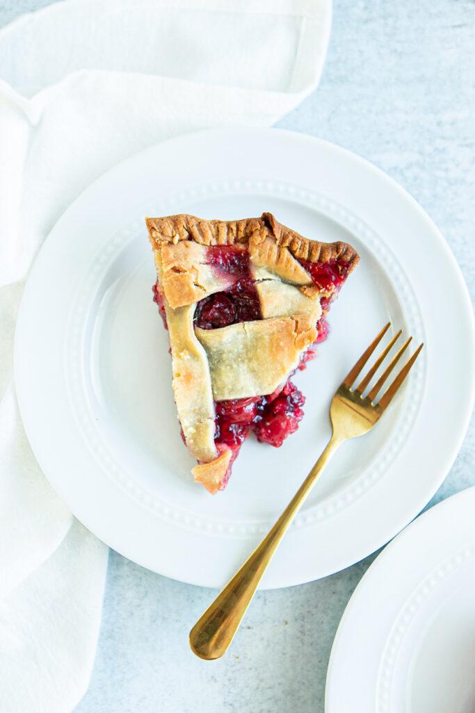 baked cherry pie slice